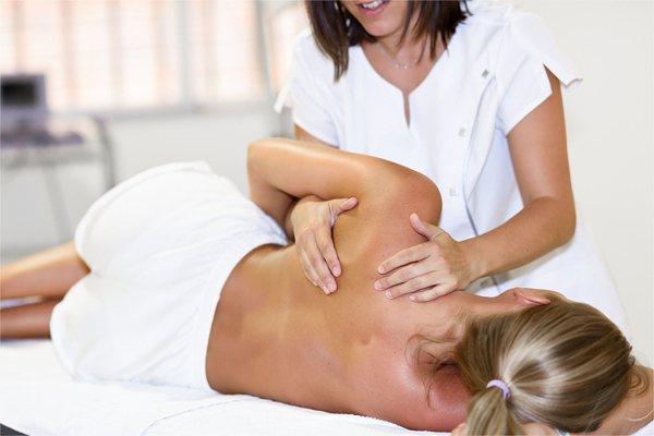 スウェディッシュマッサージの効果、筋膜を伸ばし柔軟にする。