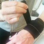 セラピストの悩み(手首の腱鞘炎)の治し方 サポーター(ザムストリストバンド)のオススメの使い方3