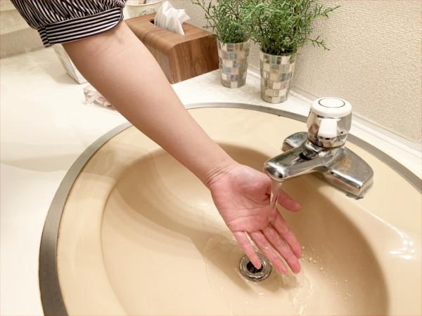 邪気を払う対処法(手を水で洗う)